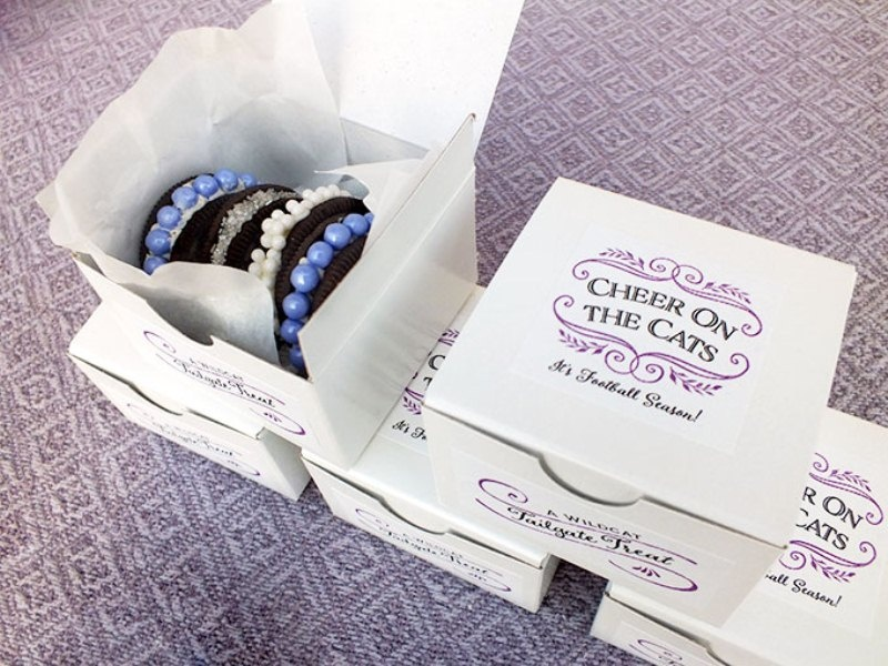 Picture Of awesome diy decorated oreo cookie favors for wedding guests  1