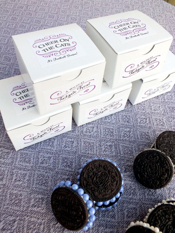 Picture Of awesome diy decorated oreo cookie favors for wedding guests  4