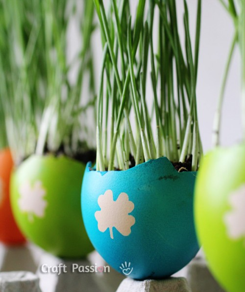easter egg planters (via craftpassion)
