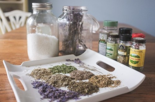 lavender herb salts (via elizabethannedesigns)