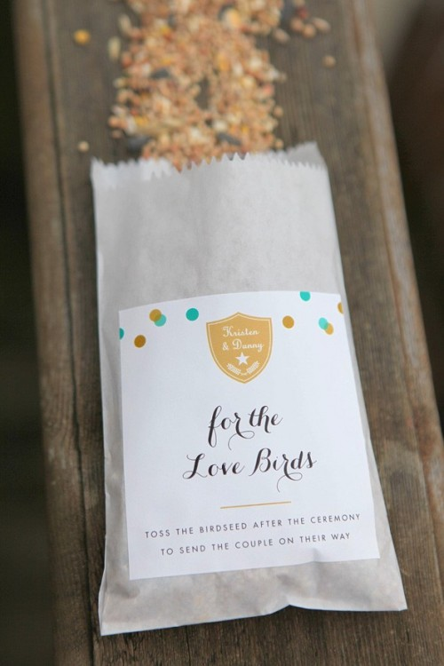 birdseed favors (via rusticweddingchic)