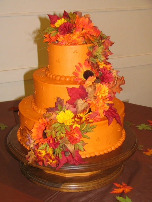 awesome fall wedding cakes 40 - beach wedding suits for groom