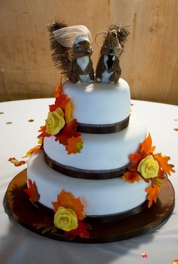 awesome fall wedding cakes weddingomania