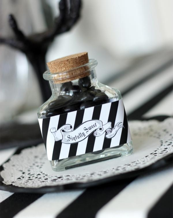 Awesome Hallowen Wedding Favors