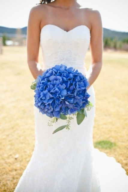 30 Awesome Ways To Incorporate Hydrangeas Into Your Wedding