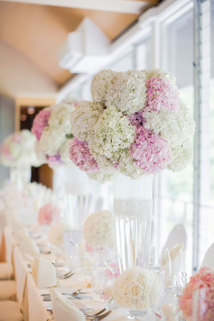 Picture Of awesome ways to incorporate hydrangeas into your wedding decor  25