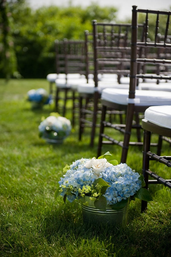 Picture Of awesome ways to incorporate hydrangeas into your wedding decor  29