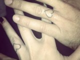 Ring finger matching hearts tattoos look chic and not too eye-catchy