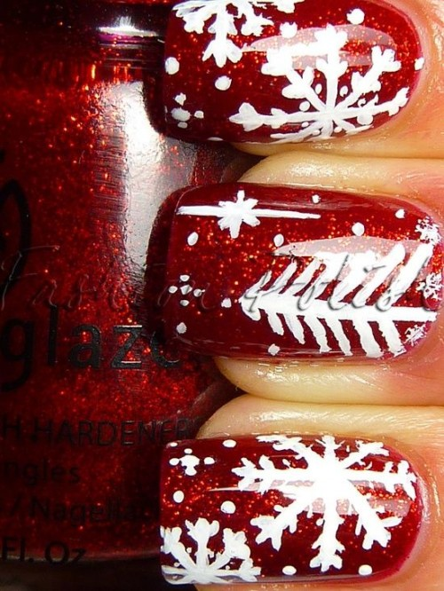 red glitter nails with white fit trees, stars and polka dots are a lovely and bold idea for a modern wedding