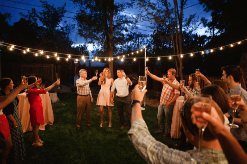 Picture Of Beaurtiful And Fun Backyard Engagement Party To Get Inspired