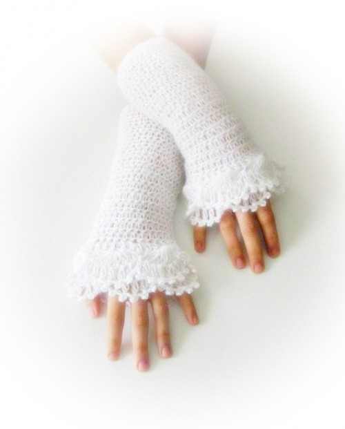 Beautiful Bridal Gloves For Fall And Winter