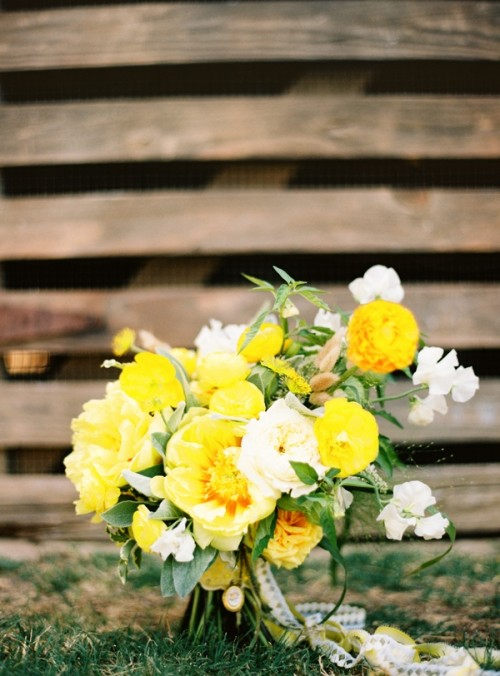 Beautiful Bright Summer Wedding Bouquets