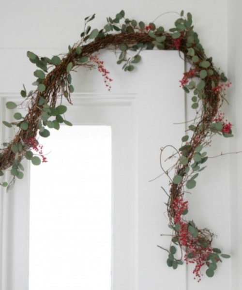 Beautiful DIY Peppercorn Garland For Rustic-Inspired Wedding Decor