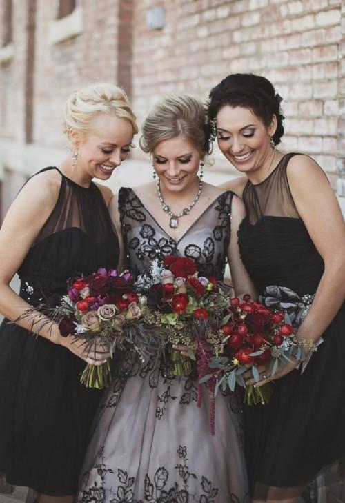 17 Stunning Halloween Bridesmaids' Dresses
