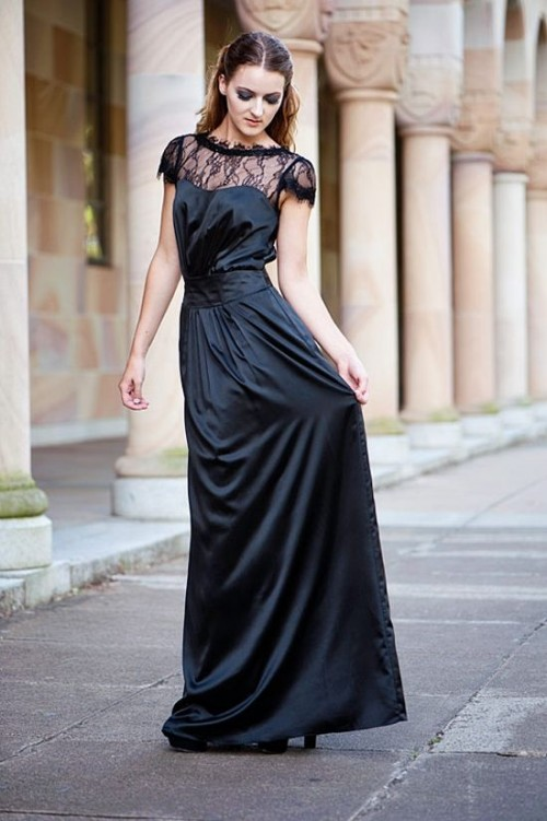 17 Stunning Halloween Bridesmaids Dresses Weddingomania