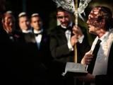 beautiful-shades-of-purple-destination-wedding-in-athens-12