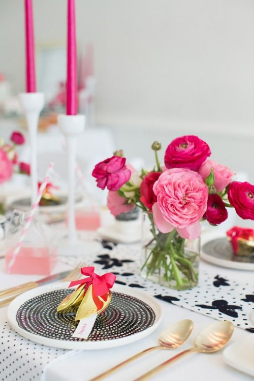 26 Beautiful Valentine's Day Wedding Tablescapes