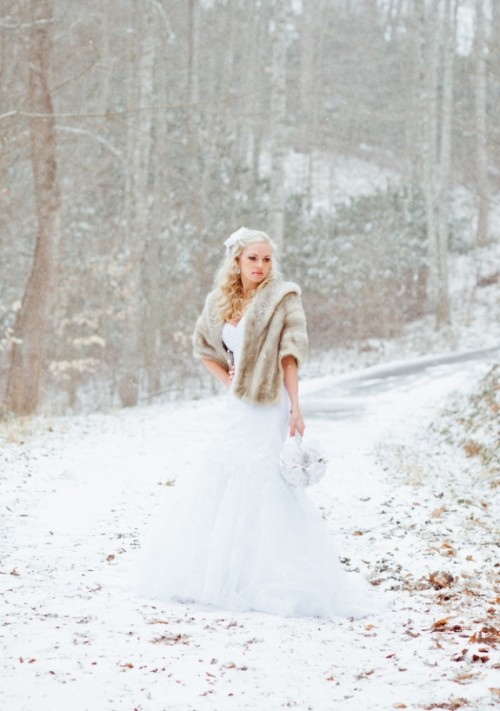 Beautiful Winter Bridal Shoot In A Southern City