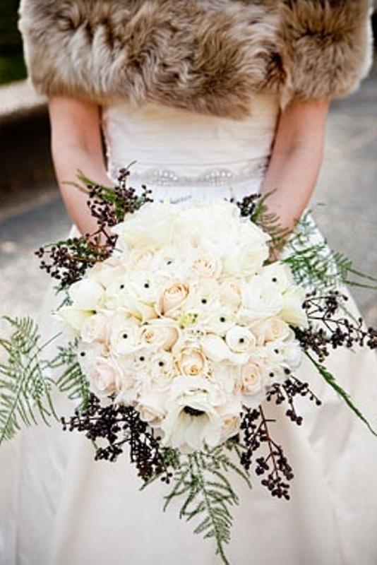 Wedding Bouquet Ideas For Winter : Beautiful winter wedding bouquets weddingomania