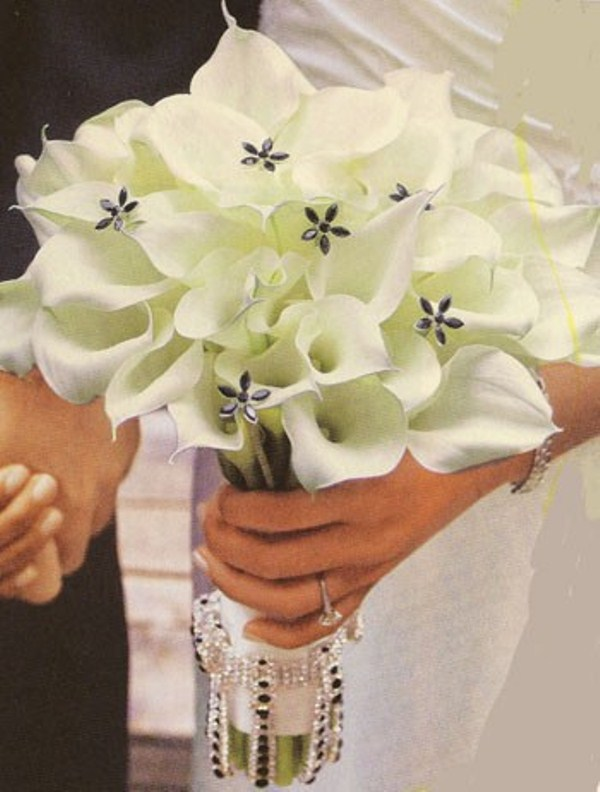 Wedding Bouquet Ideas White : Beautiful winter wedding bouquets weddingomania