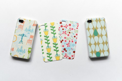 customisable iPhone cover (via shelterness)