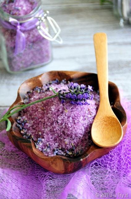 lavender bath salt (via shelterness)