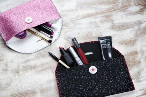 makeup felt pouch (via shelterness)