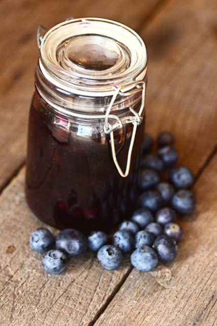 Blueberry Sauce DIY Favors For A Summer Wedding