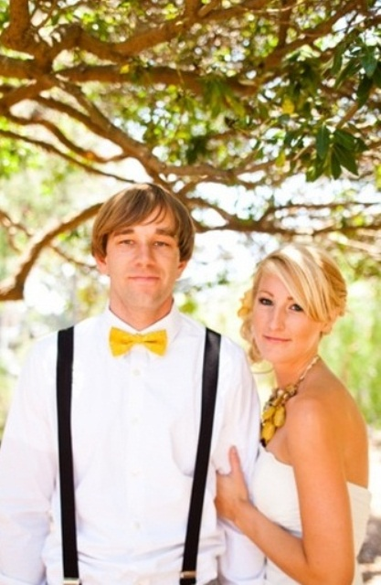 bright yellow accessories for both the groom and the bride will refresh any monochromatic or neutral looks
