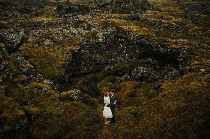 Picture Of breathtaking icelandic black church elopement  14