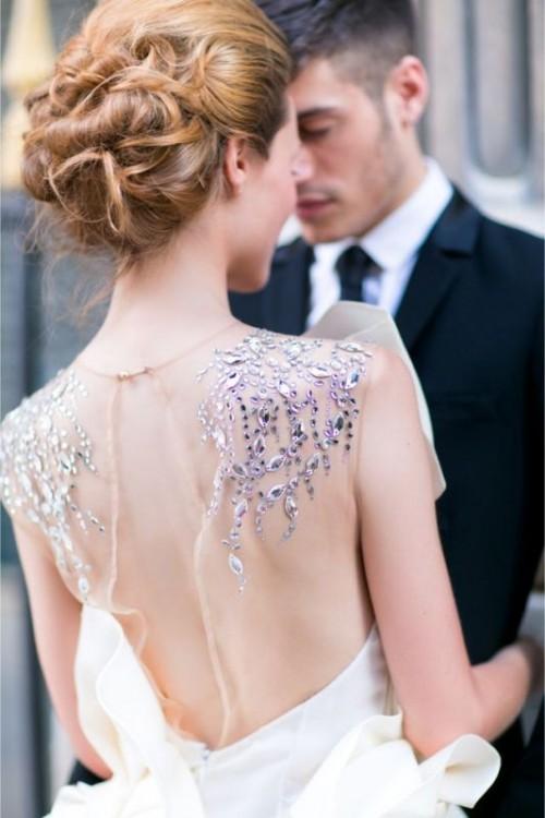 Breathtaking Modern Parisian Elopement Wedding Inspiration