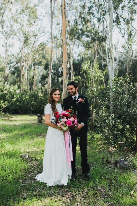 Picture Of bright and modern garden wedding inspiration  10