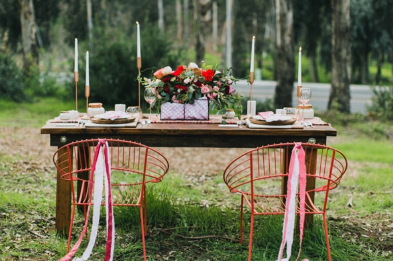 Picture Of bright and modern garden wedding inspiration  13