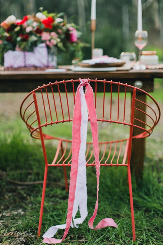 Picture Of bright and modern garden wedding inspiration  15