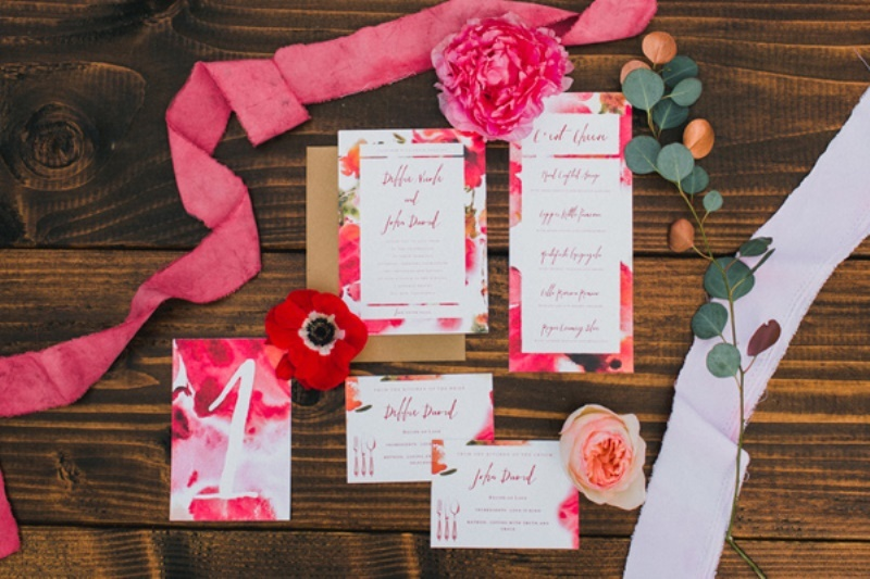 Picture Of bright and modern garden wedding inspiration  2