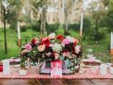bright-and-modern-garden-wedding-inspiration-5