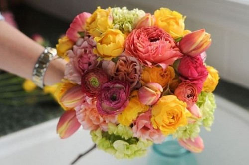 Bright DIY Wedding Floral Bouquet To Make
