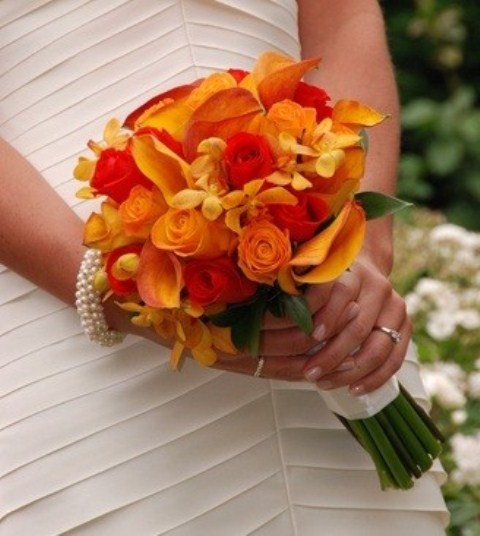 39 bright orange bridal bouquets weddingomania. Black Bedroom Furniture Sets. Home Design Ideas