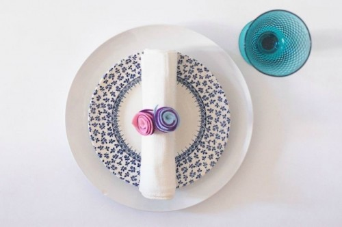Charming DIY Felt Rose Napkin Rings To Make
