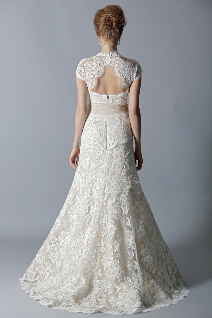 41 Charming Keyhole Back Wedding Dresses - Weddingomania