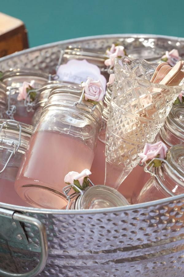 picture of charming vintage bridal shower ideas