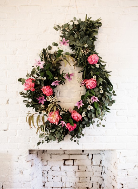 Picture Of cheap yet pretty diy floral garland  3