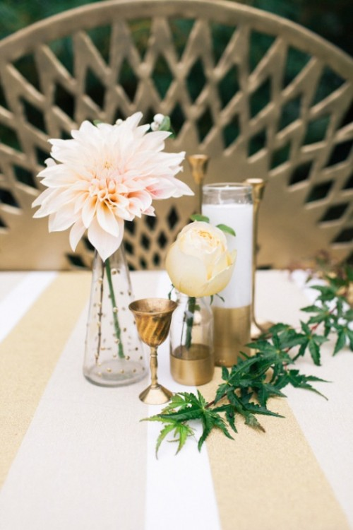 Chic diy gold decor ideas for your wedding table weddingomania chic diy gold decor ideas for your wedding table junglespirit Images