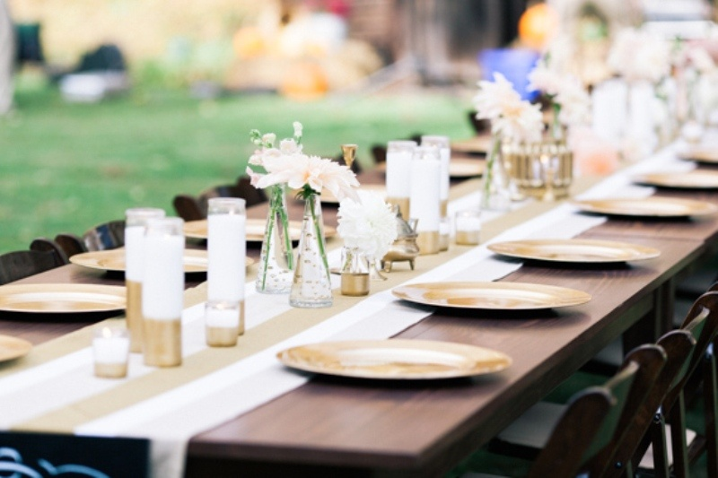 Picture of chic diy gold decor ideas for your wedding table for Diy wedding table decorations