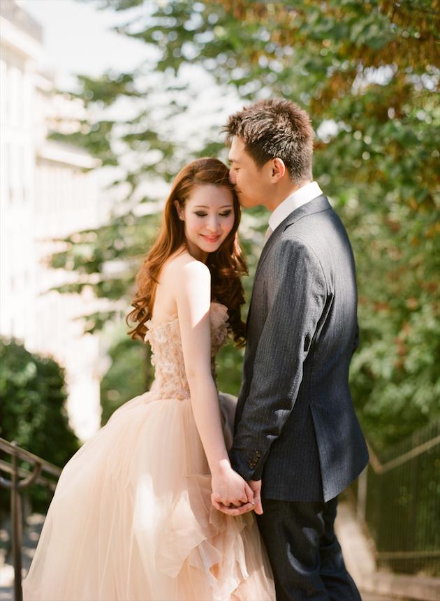 Vera Wang Wedding Dress Sizes 82 Elegant Chic Paris Engagement Shoot