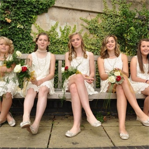 29 Chic Vintage Bridesmaids' Dresses