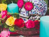 colorful-diy-mosaic-skull-wedding-centerpiece-11
