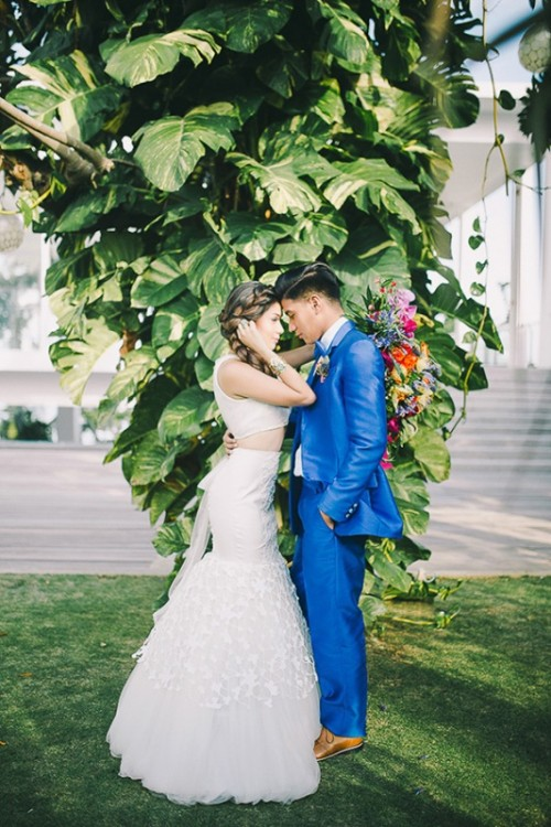 Tropical Dresses For Weddings 12 Awesome Colorful Tropical Destination Wedding