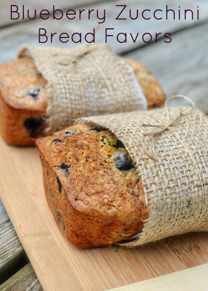 blueberry zucchini bread favors (via intimateweddings)
