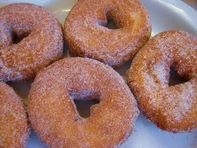 apple cider spice donuts (via ourbestbites)